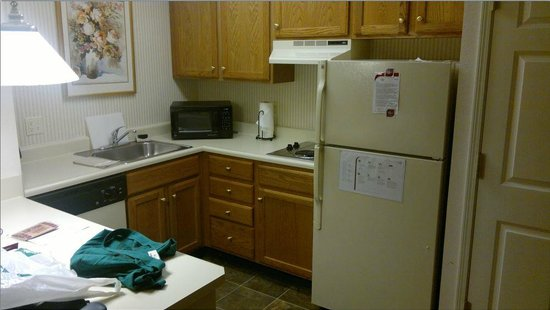 Residence Inn Boston Andover: Kitchen area