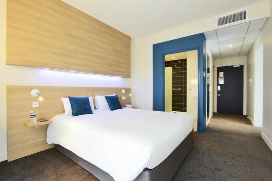 Kyriad le mans est hotel france voir les tarifs 145 for Prix chambre kyriad