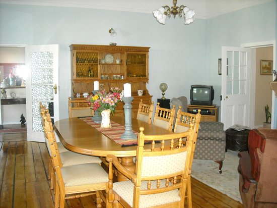 Lavender Place: dining room