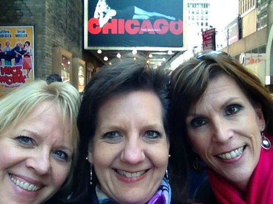 Chicago the Musical: Lori, Jenny and Lynn here for the show!
