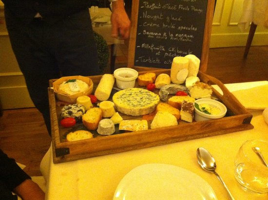 Bourgvilain, France : Les fromages...