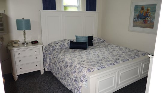 East Hampton House: King size comfortable bed