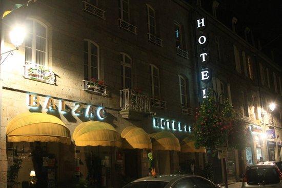 Balzac Hotel: Vista fachata del hotel