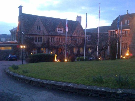 Hatton Court Hotel: Front of Hotel