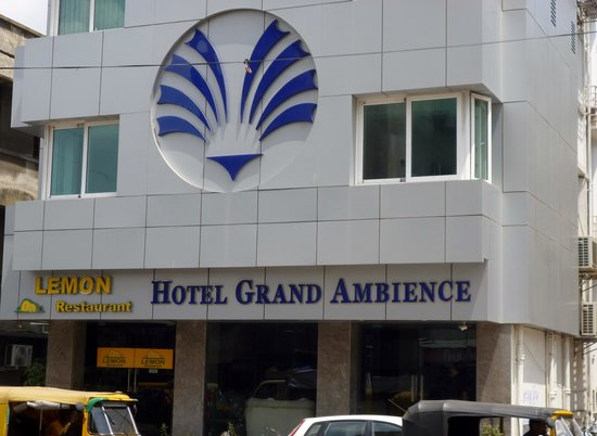 Hotel Grand Ambience : close view of the hotel