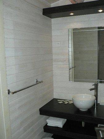 Mas des Lys : salle de bain