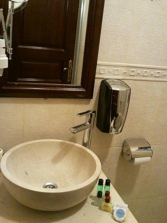 Osmanhan Hotel: il bagno