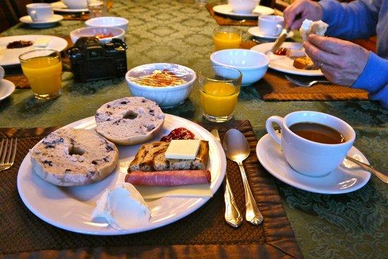 Chateau Tivoli Bed & Breakfast : CHATEAU TIVOLI