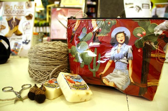 Cowgirl Yarns : Gizmos and gadgets for sale at CGY