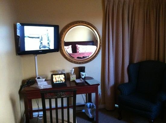 Abba Inn : tv in room