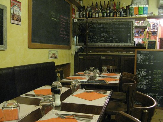 Le Poivretsel: Old-fashioned inside view