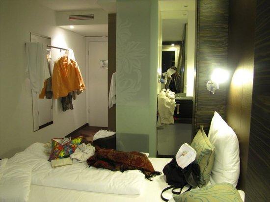 Motel One Frankfurt-Niederrad: Zimmer im 6.Stock