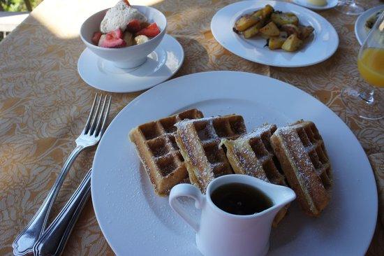 Auberge du Soleil: Waffles