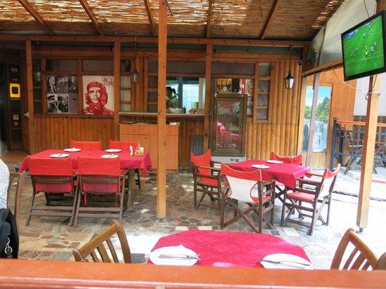 Restaurant Kaj Marsalot: The courtyard where we ate