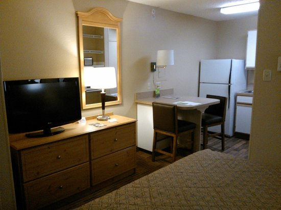 Extended Stay America - Austin - Arboretum South: TV, Dresser, and Table