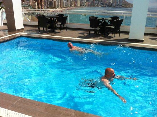 Hotel Centro Mar: En la piscina