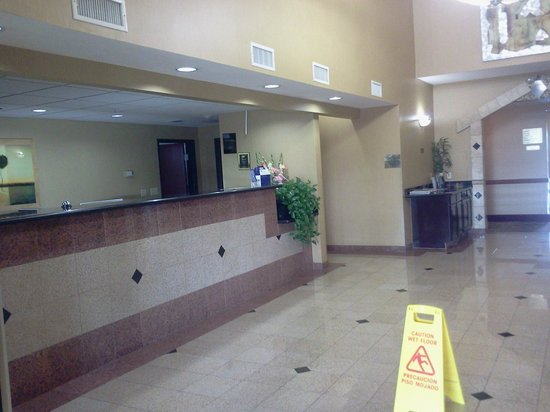 Quality Inn and Suites: Lobby