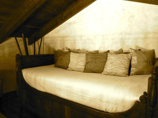 Hotel Cirilo : Loft area in master suite