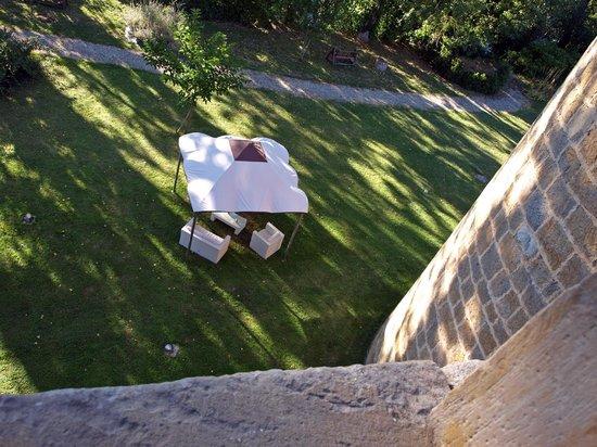 Chateau des Ducs de Joyeuse : Vue plongeante sur les abords