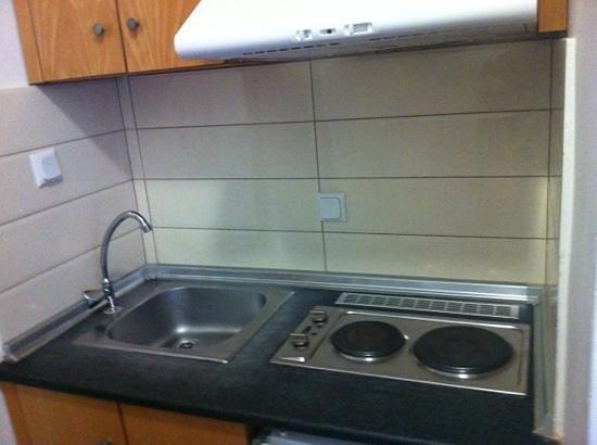 Marialena Hotel: kitchen area