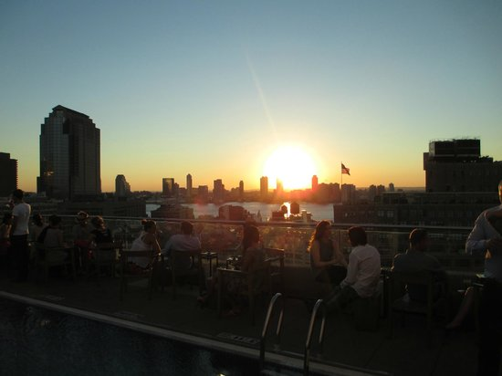 The James New York - SoHo : Sunset at Jimmy's
