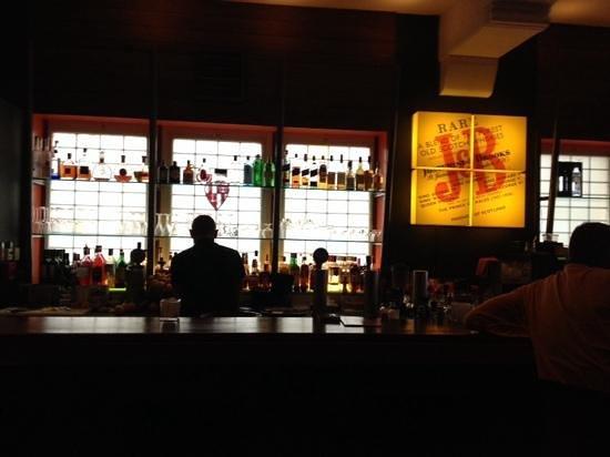 "Barramundo : lekkere cocktails in "" chill"" omgeving"