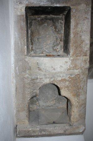 St. Margaret's Chapel & Magdalene Almshouses: Alcoves