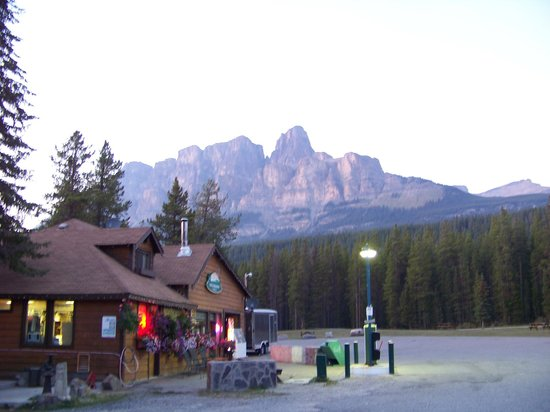 Castle Mountain Chalets: View of Castle Mountain.
