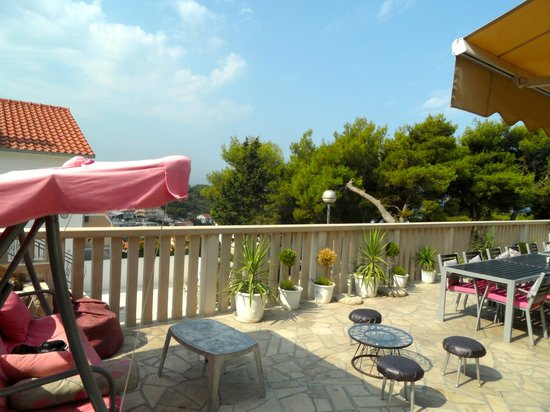 Youth Hostel Villa Marija : Great relaxing terrace