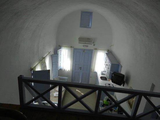 Pelagos Hotel-Oia: dentro il nostro studio dal soppalco