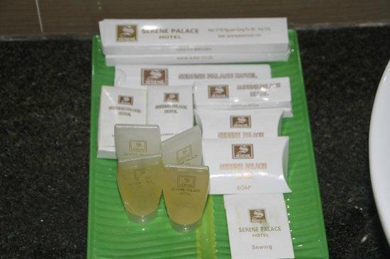 Hue Serene Palace Hotel: kit baño