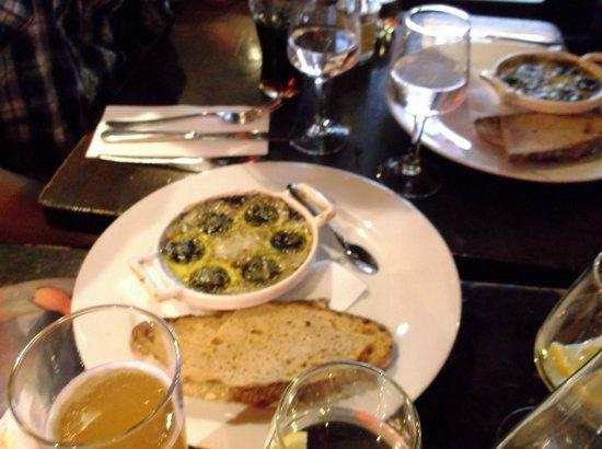 Our appetizer of escargot picture of le comptoir du 7 paris tripadvisor - Le comptoir du petit marguery paris 13 ...