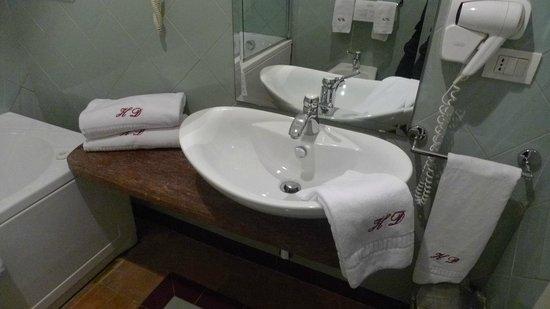 Decumani Hotel de Charme : Badezimmer