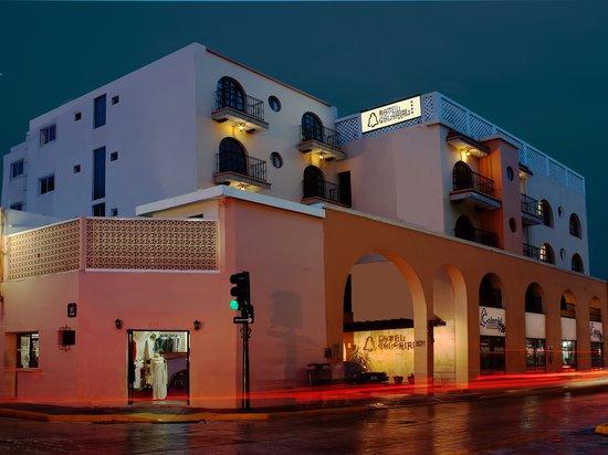 Hotel Colonial: FACHADA  HOTEL