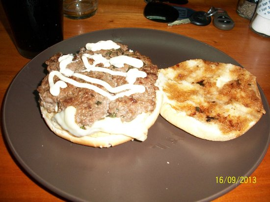 California Burgers and Beer: Carribbean burger with only cheese and mayonaise