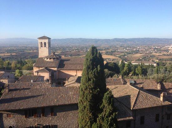 Hotel Giotto Assisi: Dalla finestra