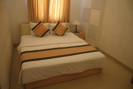 Cat Huy Hotel: cama comodisima y enooorme