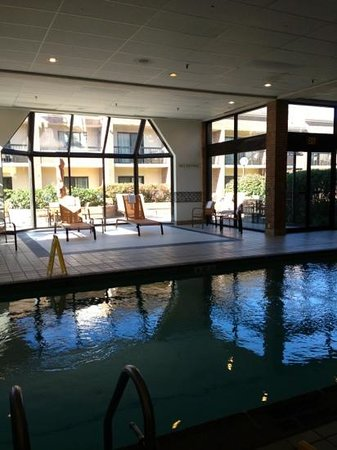 Courtyard Hartford Windsor: Indoor pool