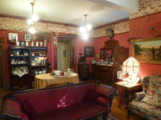 Castle Marne Bed & Breakfast : Attractive common areas