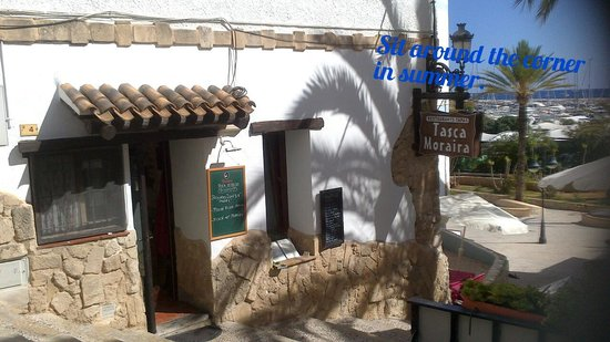 Tasca Moraira: looking down from street level
