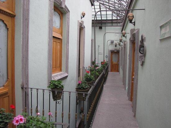 Hotel Puebla de Antano: Pasillos del hotel