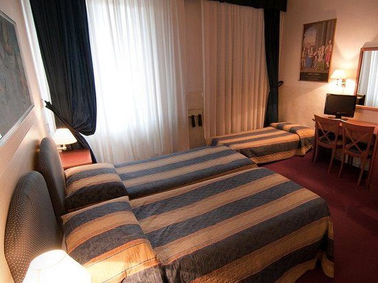 Hotel Centro: Guest Room