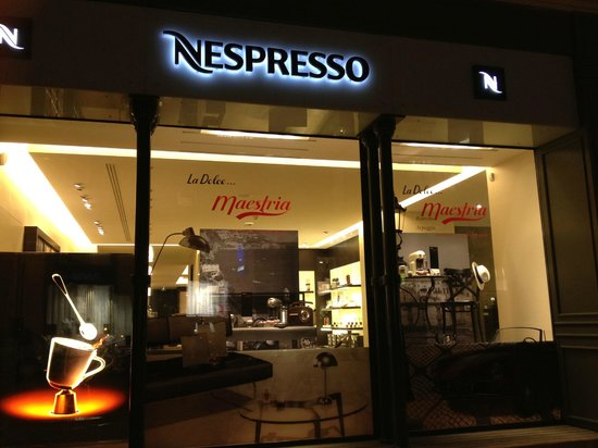 Grand Hotel Grenoble Centre : Next door.  Go for a sample cup of expresso.