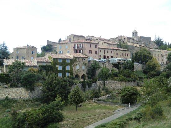 Le Relais du Mont Ventoux : Aurel mit Hotel