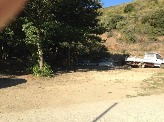 Camping La Pinède : terrain vague