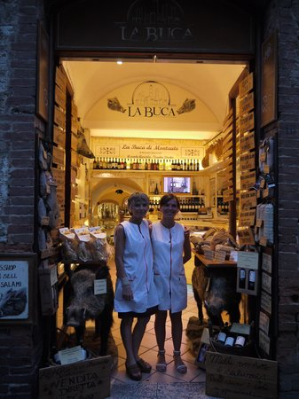 La Buca de Montauto: Giada and her mother outside their shop in the town of San Gimigano