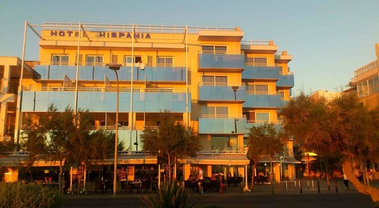 View from beach road Hotel Hispania Mallorca Arenal at sunset