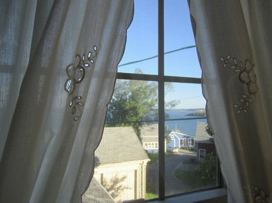 Home Port Inn: View of Cobscook Bay from Room 3