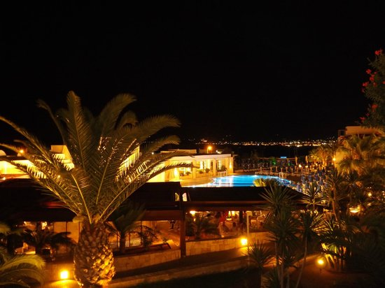 Grand Hotel Holiday Resort: Night view from room 414