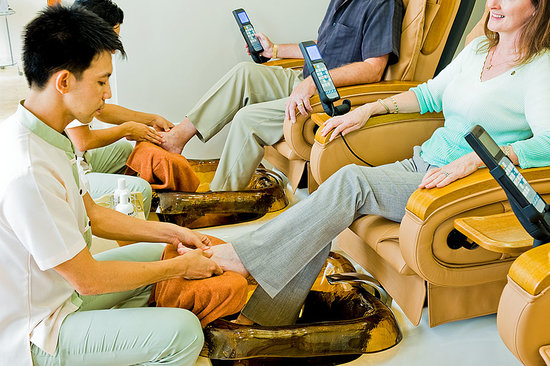 Touch of Thai: Wonderfull massage chair as a get a great pedi